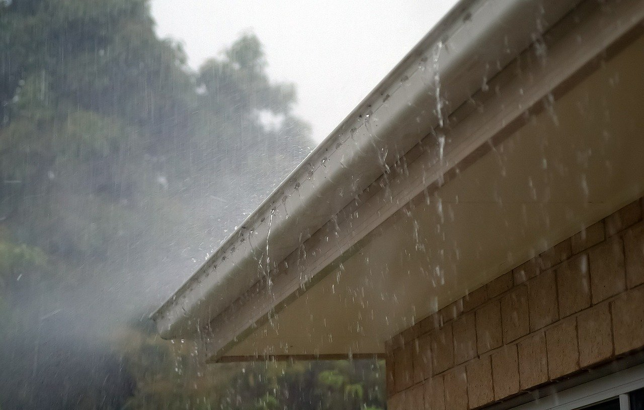 How To Install Gutter Sealant - 10 Steps To Keep Your Gutters Clean
